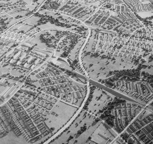 POST WAR PLANNING AND RECONSTRUCTION IN BRITAIN, 1944 (D 25004) Model of a proposed development by Professor Patrick Abercrombie to make Chipping Ongar the nucleus of a new town of 60,000 inhabitants, most of whom would relocate from London after the Second World War.  The proposal was not adopted. Copyright: © IWM. Original Source: http://www.iwm.org.uk/collections/item/object/205132763